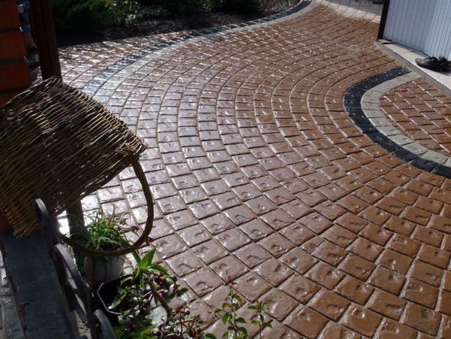 Более дорогой и красивый вид рельефной тротуарной плитки