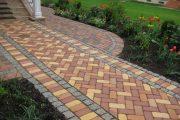 Фото 40 Тротуарная плитка для дорожек на даче: укладка своими руками и 80+ долговечных и оригинальных примеров оформления