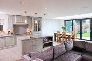 Фото 1 Угловой диван на кухню со спальным местом: как сделать кухонное пространство максимально комфортным и 75+ фотоидей