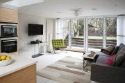 Фото 6 Угловой диван на кухню со спальным местом: как сделать кухонное пространство максимально комфортным и 75+ фотоидей