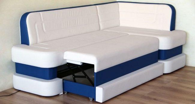Контрастный бело-синий диван-трансформер для кухни с механизмом дельфин