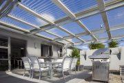Фото 2 Пристроенная к дому веранда из поликарбоната: особенности возведение и 70+ стильных и надежных конструкций