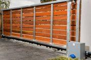 Фото 7 Автоматические ворота с дистанционным открытием: советы по выбору и все хитрости благоустройства территории частного коттеджа и гаража