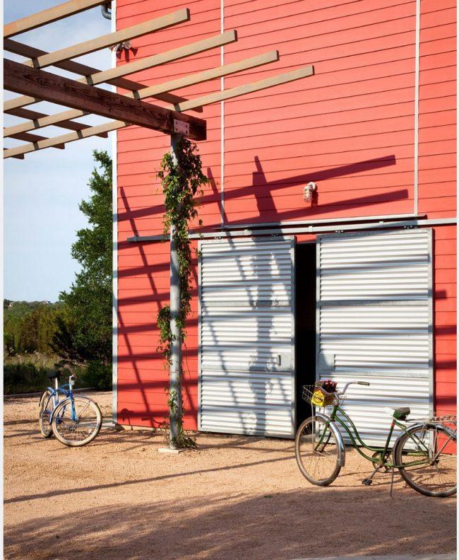Автоматические гаражные ворота из металлопрофиля