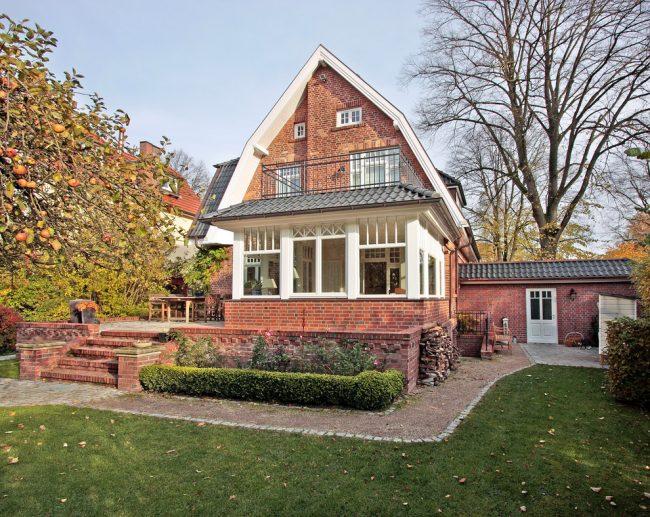 Классический кирпичный дом с баварской кладкой