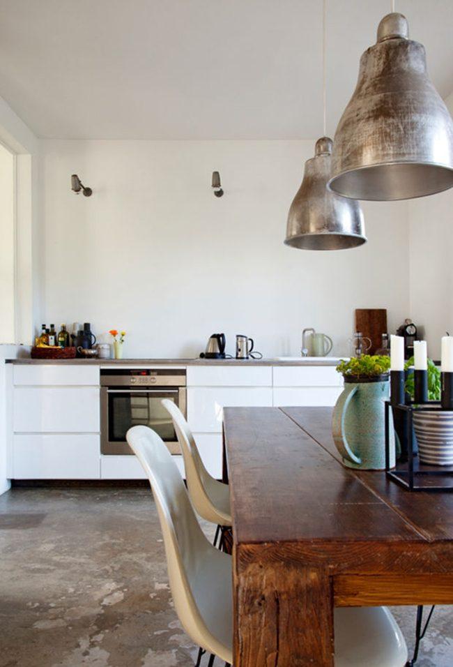 Фасад кухни из ДСП в белом глянцевом окрасе