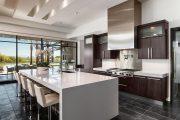 Фото 25 Белые глянцевые кухни: секреты гармоничного оформления и 80+ фото вдохновляющих интерьеров