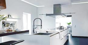 Белые глянцевые кухни: секреты гармоничного оформления и 80+ фото вдохновляющих интерьеров фото