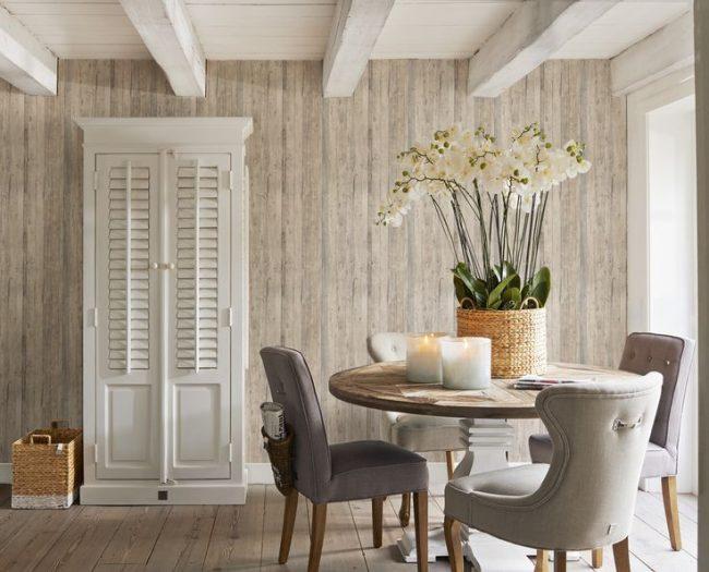 Фотообои в кухне с изображением деревянной доски