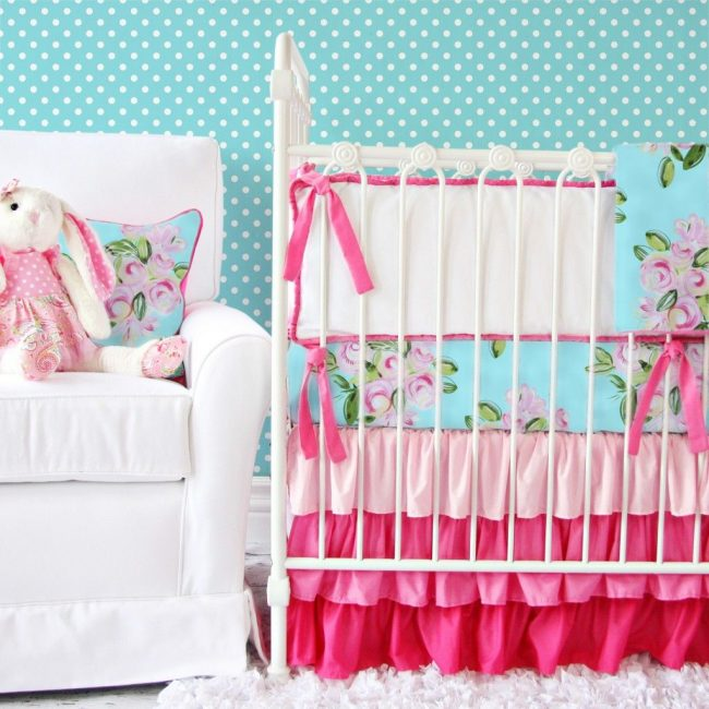 Мягкие бортики в кроватке для малыша возрастом от 6 месяцев