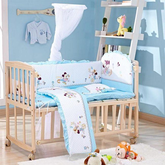 Мягкие бортики для кроватки - длинные бамперы и подушка для изголовья