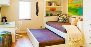 Диван-трансформер в двухъярусную кровать: 70 максимально удобных и практичных идей для вашей квартиры фото