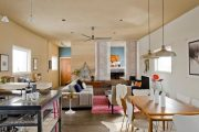 Фото 16 Диван на маленькой кухне: обзор практичных моделей диванов для комфортной кухонной зоны