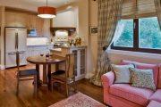 Фото 37 Диван на маленькой кухне: обзор практичных моделей диванов для комфортной кухонной зоны