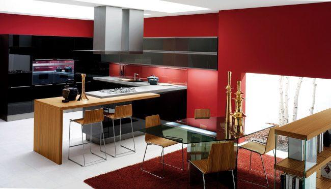 Большая кухня-гостинная в духе модерна с барной стойкой, обеденным столом и библиотекой