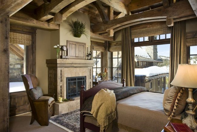 Оформление спальни деревенского дома в английском стиле