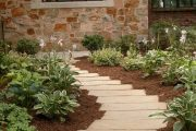 Фото 29 Хоста в ландшафтном дизайне: особенности ухода и 80 гармоничных композиций для сада