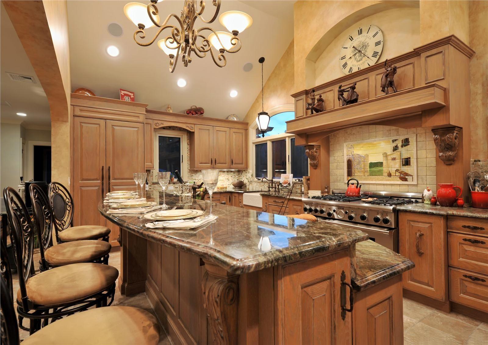 Дизайн интерьера кухни с барной стойкой в современном стиле