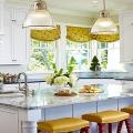 Короткие шторы на кухню: 75+ утонченных интерьерных решений для кухни и столовой зоны фото