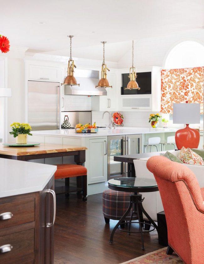 Текстильные элементы, предметы освещения, декор – кухонные акценты