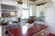 Фото 17 Короткие шторы на кухню: 75+ утонченных интерьерных решений для кухни и столовой зоны