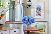 Фото 25 Короткие шторы на кухню: 75+ утонченных интерьерных решений для кухни и столовой зоны