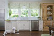 Фото 36 Короткие шторы на кухню: 75+ утонченных интерьерных решений для кухни и столовой зоны
