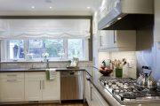 Фото 37 Короткие шторы на кухню: 75+ утонченных интерьерных решений для кухни и столовой зоны