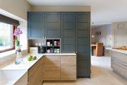 Фото 40 Короткие шторы на кухню: 75+ утонченных интерьерных решений для кухни и столовой зоны