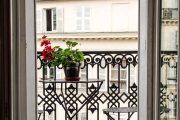 Фото 15 Кованые балконы: французский колониальный шик и 75 его элегантных воплощений