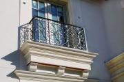 Фото 18 Кованые балконы: французский колониальный шик и 75 его элегантных воплощений