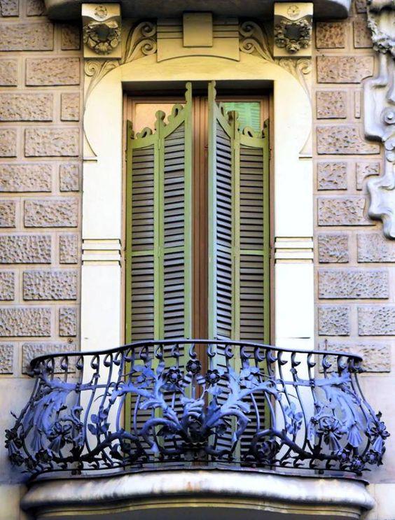 Для многих людей, хорошо сделанный и обустроенный балкон - это воплощение уюта, культа личного пространства, гармонии с собой и окружающим миром