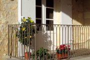 Фото 20 Кованые балконы: французский колониальный шик и 75 его элегантных воплощений