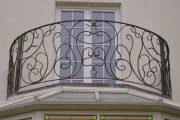 Фото 22 Кованые балконы: французский колониальный шик и 75 его элегантных воплощений