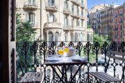 Фото 24 Кованые балконы: французский колониальный шик и 75 его элегантных воплощений