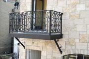 Фото 27 Кованые балконы: французский колониальный шик и 75 его элегантных воплощений