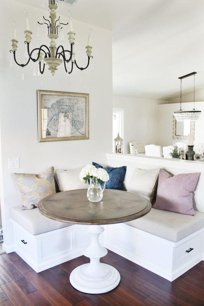 """Двухцветный обеденный стол с белой ножкой и столешницей """"под ясень"""""""