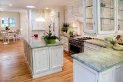 Фото 5 Светлые кухни с патиной: вневременная классика и 100+ избранных интерьерных сочетаний