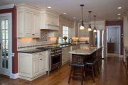 Фото 16 Светлые кухни с патиной: вневременная классика и 85 избранных интерьерных сочетаний