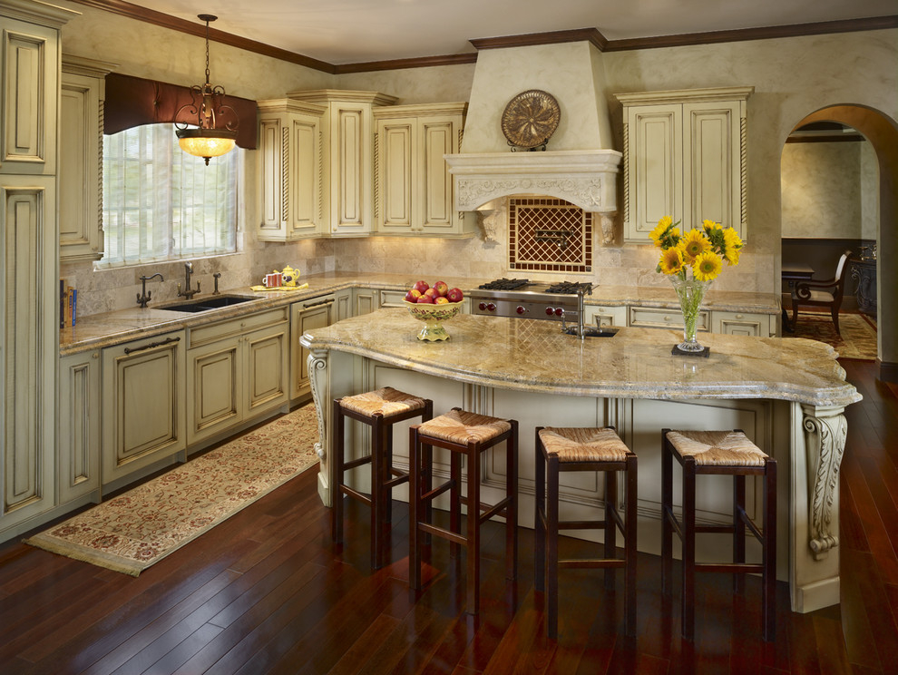 Дизайн кухни в коттедже фото