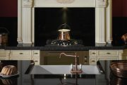 Фото 42 Светлые кухни с патиной: вневременная классика и 100+ избранных интерьерных сочетаний