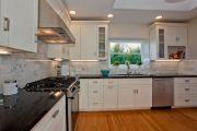 Фото 31 Кухня в стиле арт-деко: тонкости гармоничного интерьера и 75 избранных фотоидей на любой вкус