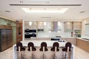 Фото 35 Кухня в стиле арт-деко: тонкости гармоничного интерьера и 75 избранных фотоидей на любой вкус