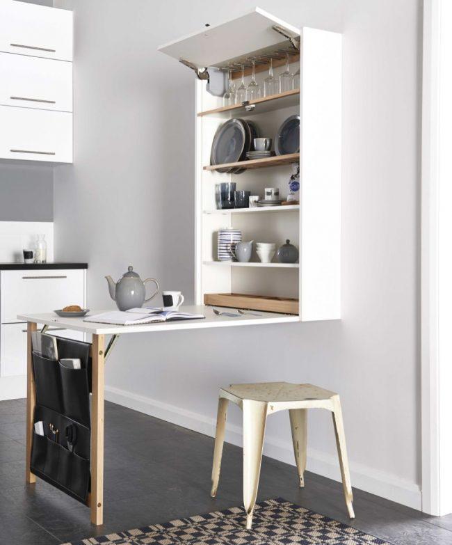 Стол-трансформер 3 в 1, включающий следующие функции: обеденное место, полки для хранения посуды и карманы для хранения мелких кухонных мелочей