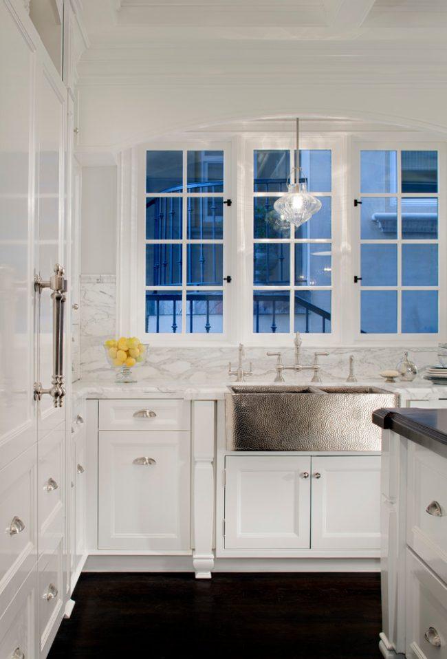 Рельефная двойная кухонная мойка из нержавеющей стали