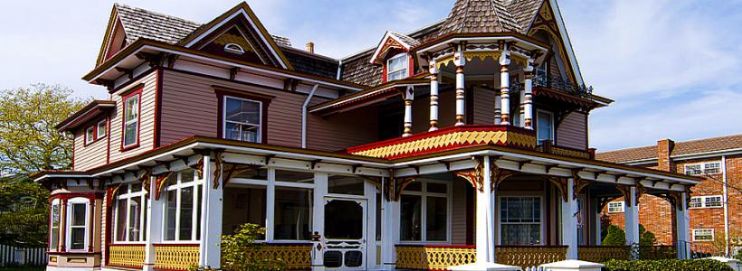 Наличник на окна в деревянном доме: декоративное украшение фасада и 70+ оригинальных примеров