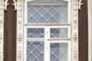 Фото 58 Наличник на окна в деревянном доме: декоративное украшение фасада и 70+ оригинальных примеров