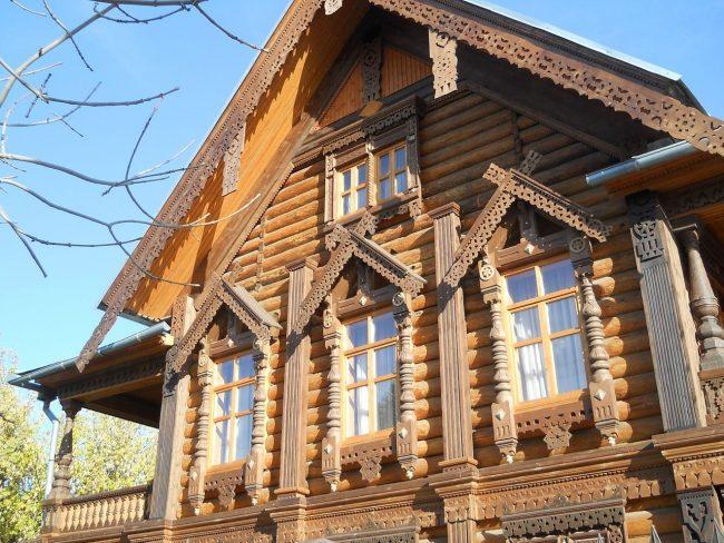 Пример русского деревянного зодчества: дом купца Тетюшинова