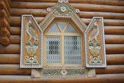 Фото 72 Наличник на окна в деревянном доме: декоративное украшение фасада и 70+ оригинальных примеров