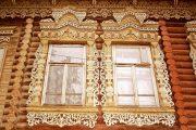 Фото 10 Наличник на окна в деревянном доме: декоративное украшение фасада и 70+ оригинальных примеров
